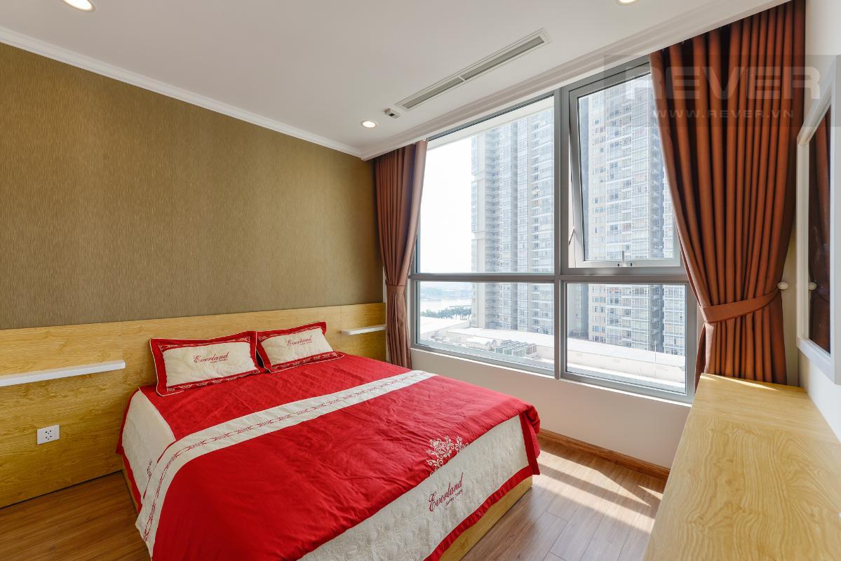 Phòng ngủ view nội khu Căn hộ 1 phòng ngủ C2 Vinhomes Central Park