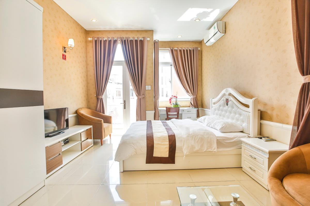Phòng ngủ hướng sáng Căn hộ dịch vụ 55m2 Spring Apartment
