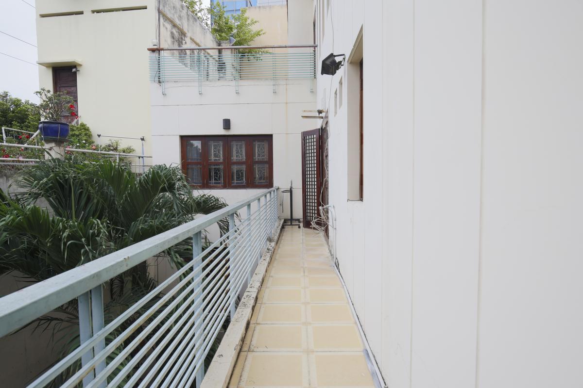 Ban công Nhà 3,5 tầng hẻm Phan Xích Long Phú Nhuận