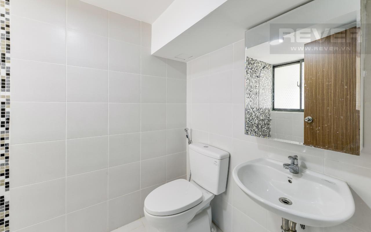 Phòng tắm chính Lofthouse tầng cao hướng Đông tháp B La Astoria