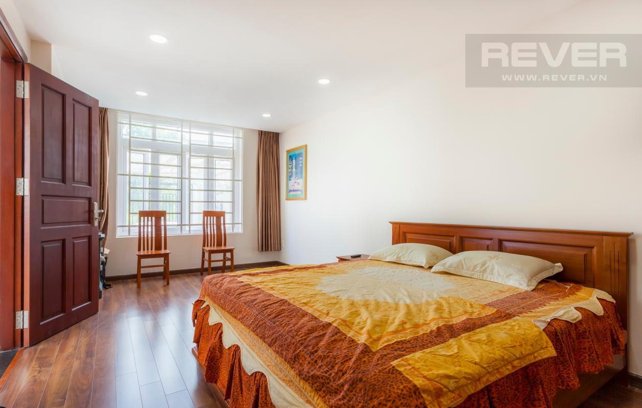 Phòng ngủ lớn dành cho ông bà Villa 3 tầng Đường Số 14 Hoàng Quốc Việt