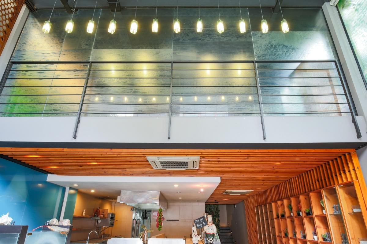 Nhà 5 tầng mặt tiền Lê Ngô Cát