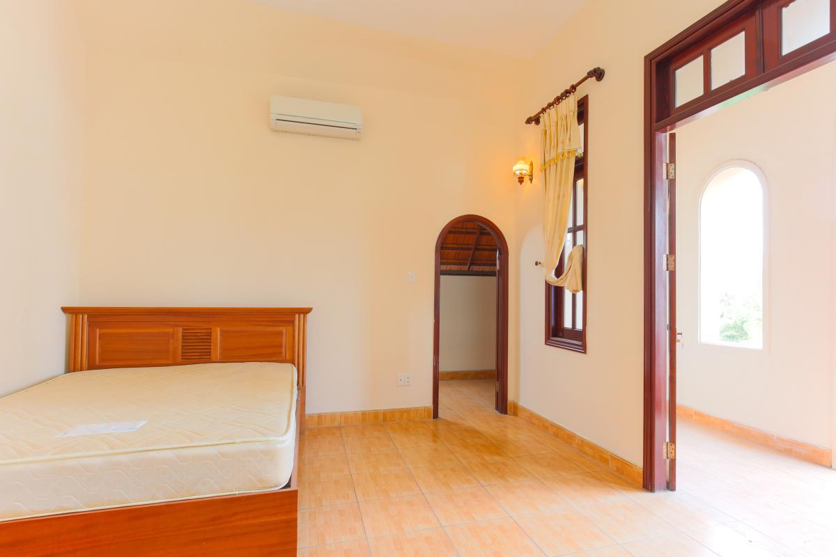Phòng ngủ tầng áp mái Villa 2 tầng Trần Ngọc Diện Thảo Điền