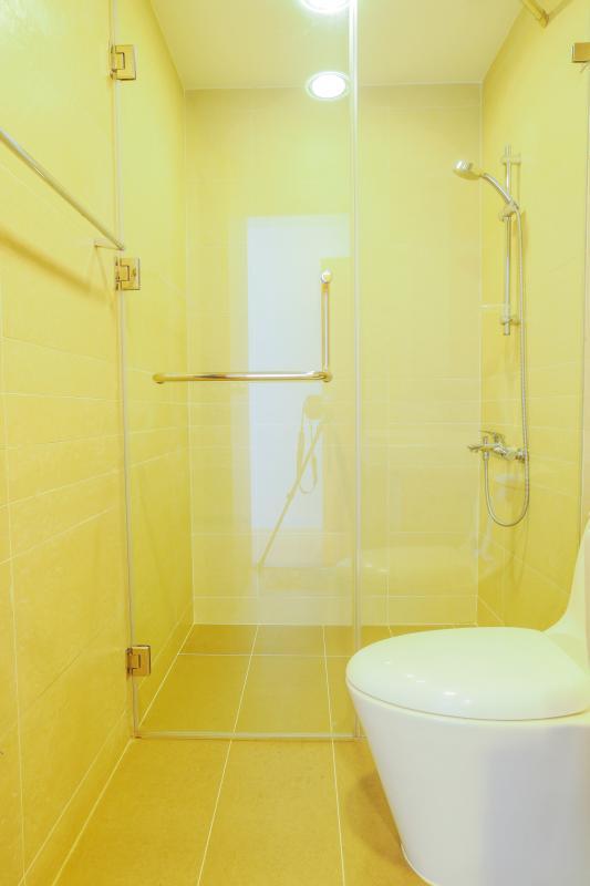Phòng tắm 1 Căn góc Sunrise City tầng cao tháp V4 hướng Tây Nam, 3 phòng ngủ