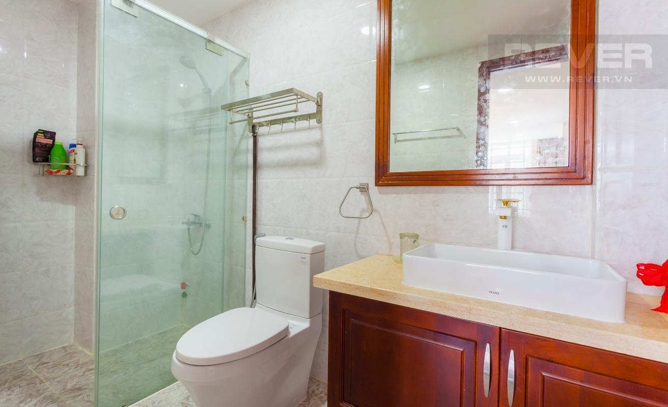 Phòng tắm nhỏ Villa 3 tầng Đường Số 14 Hoàng Quốc Việt