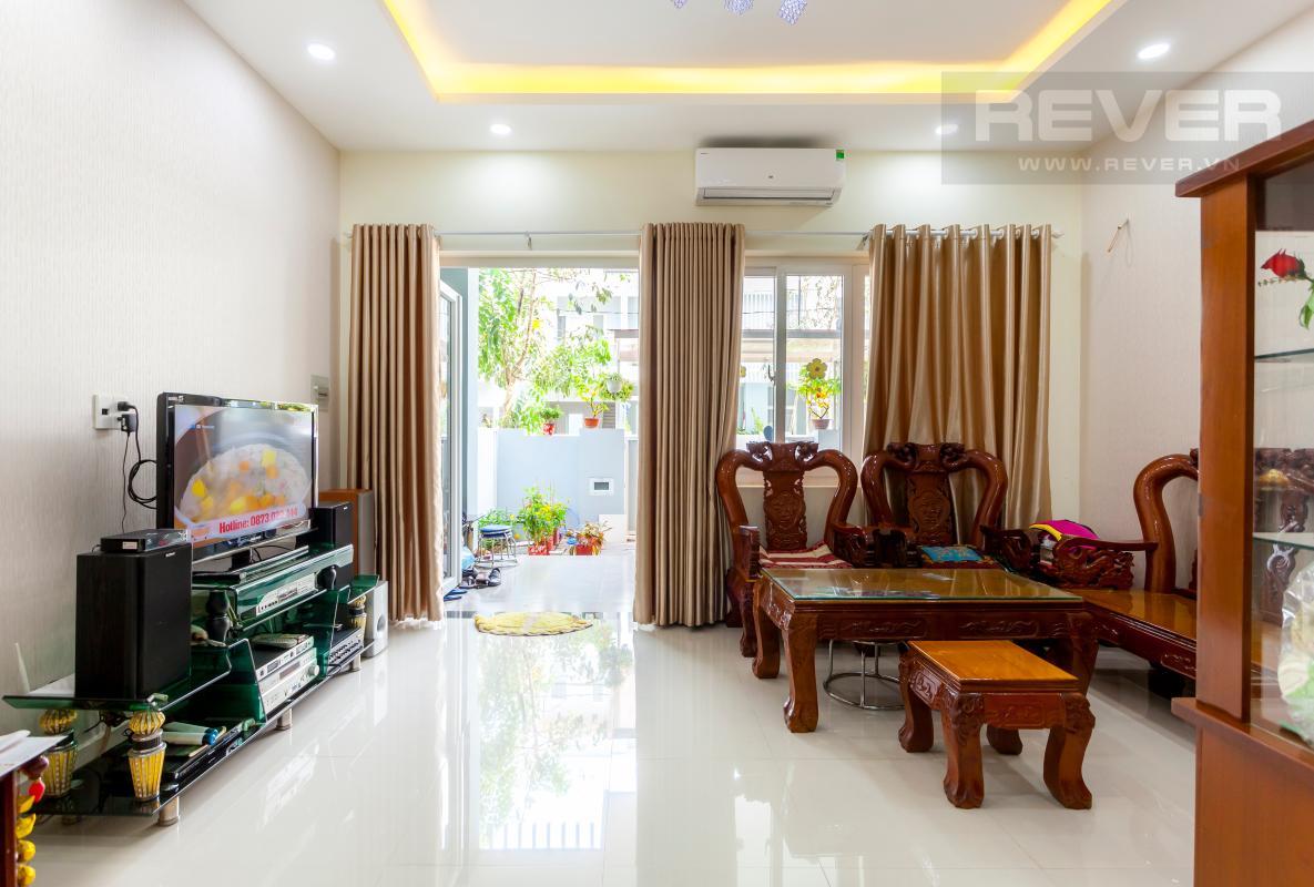 Không gian phòng khách Nhà 3 tầng hướng Đông Bắc khu dân cư Mega Village Khang Điền