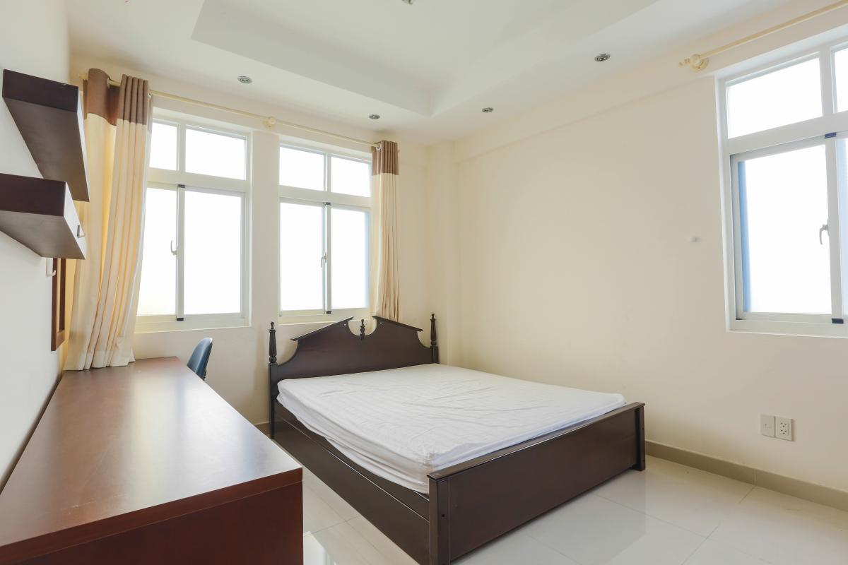 Phòng ngủ ở vị trí góc sở hữu view hai hướng thoáng mát Căn góc trung tầng tháp BC Cảnh Viên 2