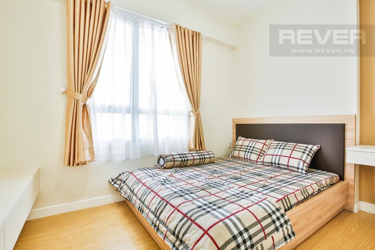 Phòng ngủ nhỏ cửa sổ hướng Đông Nam Căn góc tầng cao T4A Masteri Thảo Điền