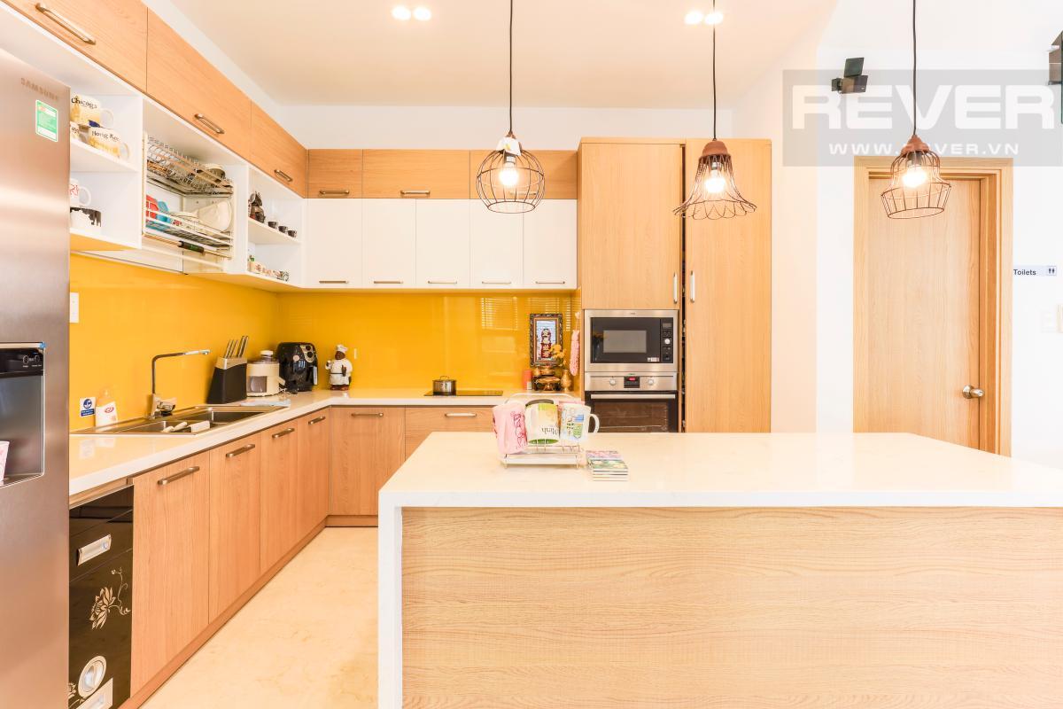 Phòng bếp đủ tiện nghi Villa Melosa Garden hướng Bắc, 3 tầng hiện đại