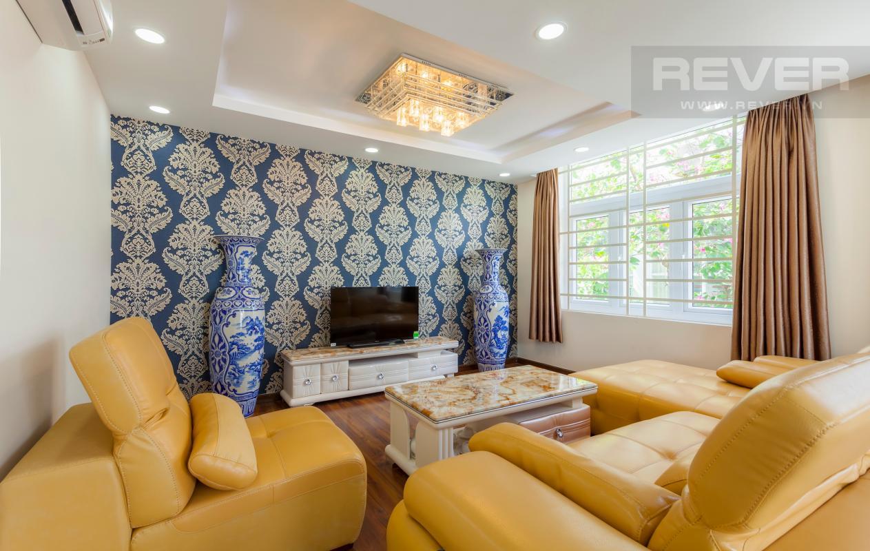 Phòng khách ở tầng lửng Villa 3 tầng Đường Số 14 Hoàng Quốc Việt