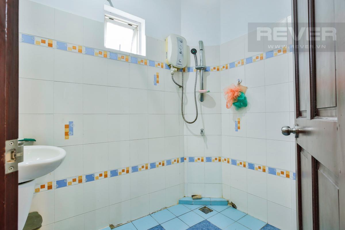 Phòng tắm phụ Nhà 3 tầng Nguyễn Văn Đậu