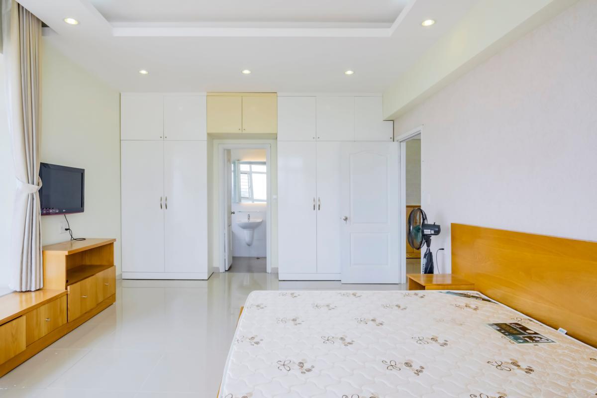 Phòng ngủ chính Căn góc tầng cao tháp B Riverside Residence