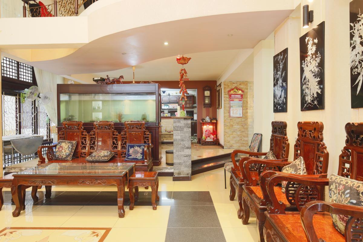 Phòng khách Nhà 3,5 tầng hẻm Phan Xích Long Phú Nhuận