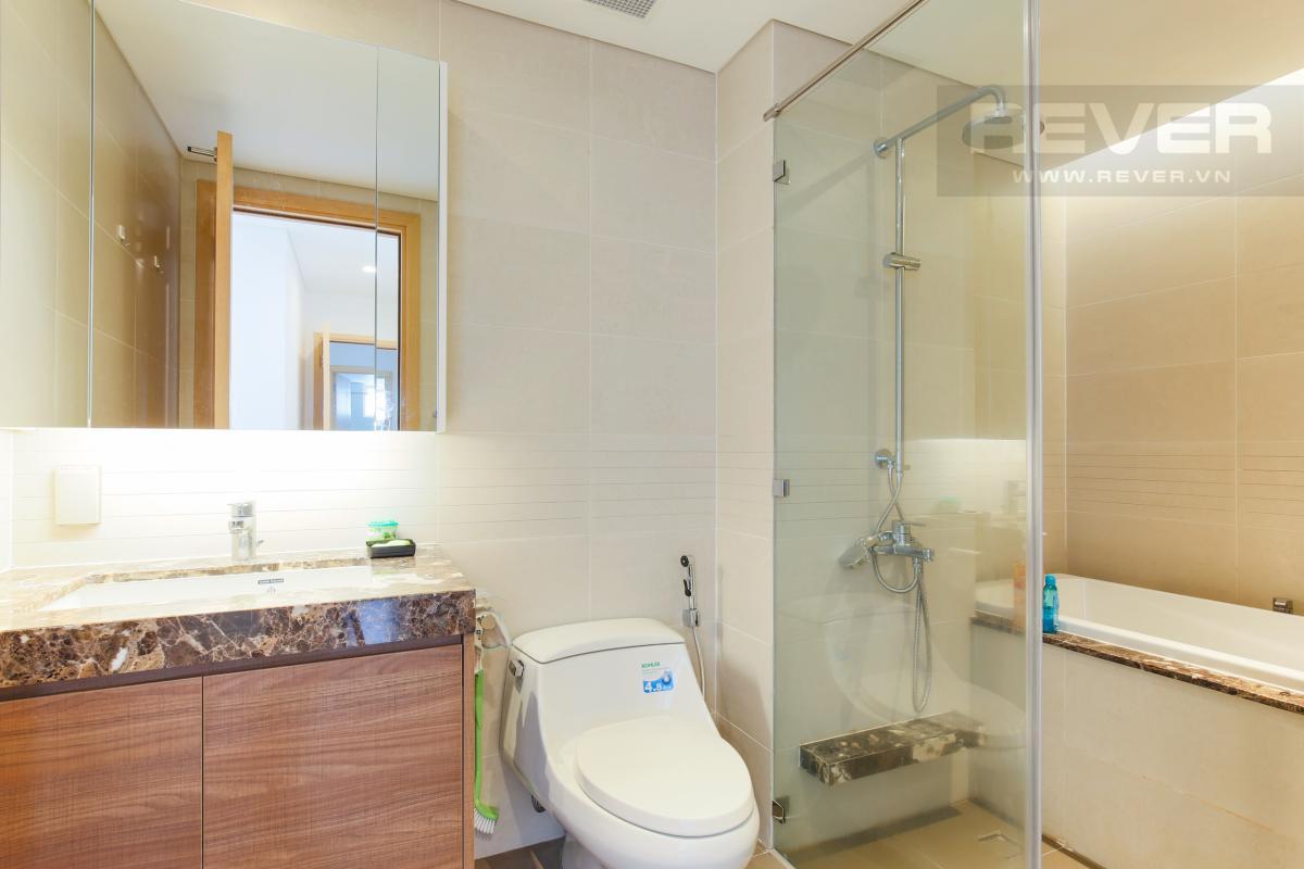Phòng tắm chính có bồn tắm Căn hộ Sarimi tầng thấp B1 hướng  Tây Nam, 3 phòng ngủ