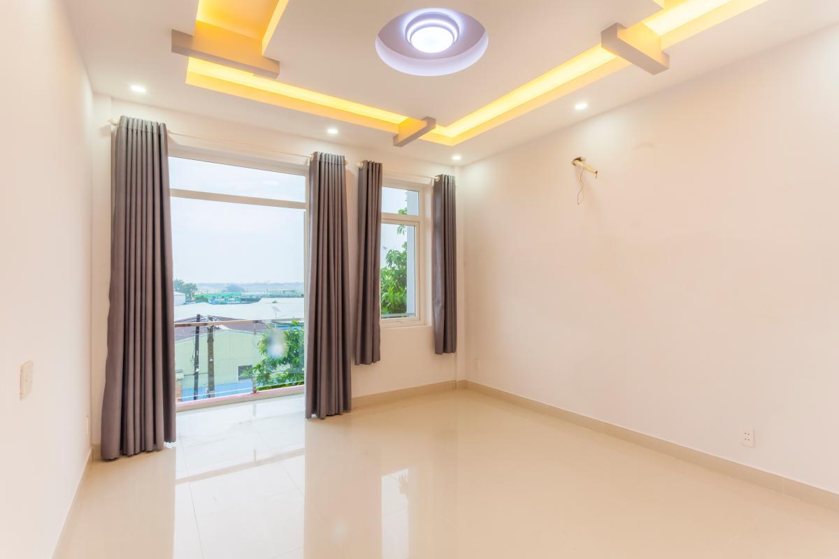 Phòng ngủ 3 Nhà 5 tầng hướng Tây mặt tiền  Trần Văn Dư Tân Bình