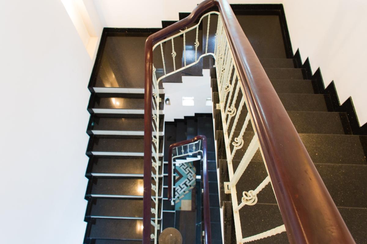 Cầu thang Villa đường số 14 Fideco Thảo Điền Quận 2