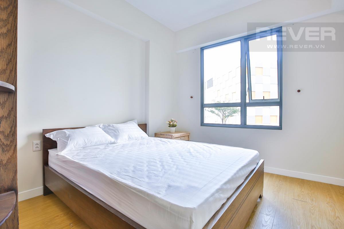 Phòng ngủ chính hiện đại Căn hộ 2 phòng ngủ hướng Đông Nam T1A Masteri Thảo Điền