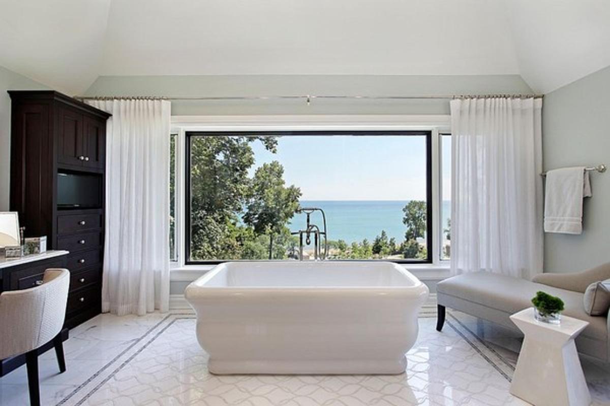 Chiêm ngưỡng những phòng tắm có view nhìn ra biển tuyệt đẹp