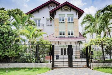 Villa sân vườn có hồ bơi Nguyễn Văn Hưởng