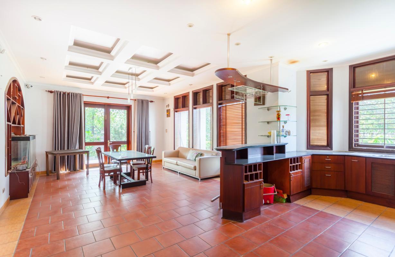 Không gian sinh hoạt tầng trệt Villa sân vườn hướng Tây Đại học Bách Khoa