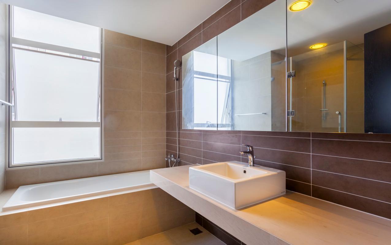Phòng tắm 1 Căn góc trung tầng V1 Sunrise City