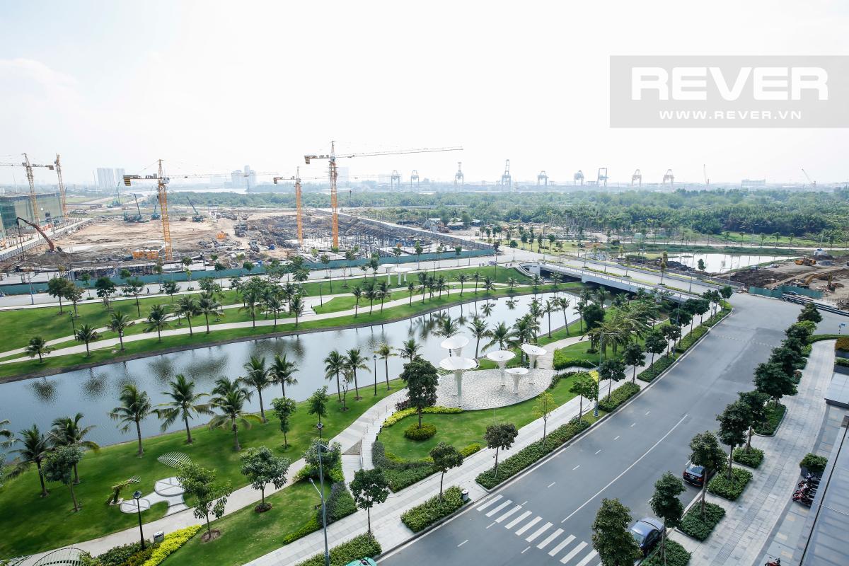 Công viên hồ điều hòa nhìn từ căn hộ Căn hộ Sarimi Sala Đại Quang Minh tầng trung tháp B1 hướng Đông