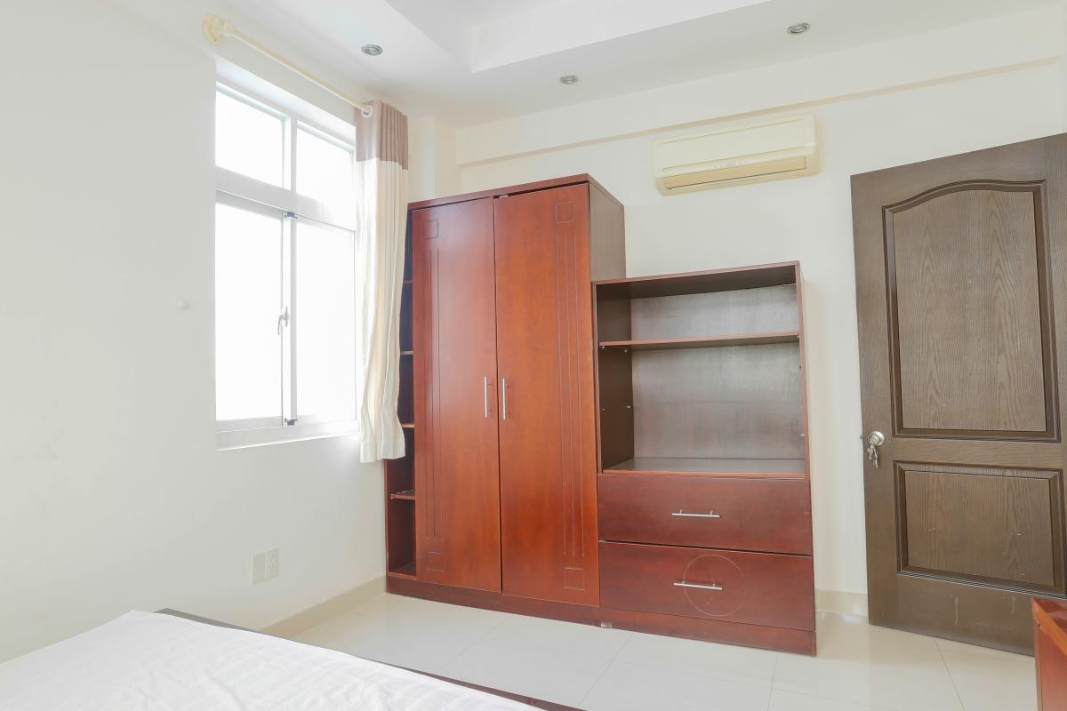 Nội thất phòng ngủ gần ban công Căn góc trung tầng tháp BC Cảnh Viên 2