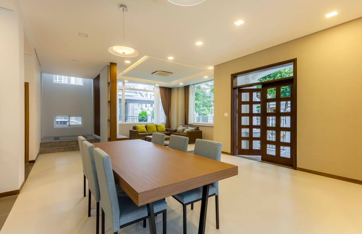 Bàn ăn Villa 3 tầng Phú Mỹ 3A Tân Trào