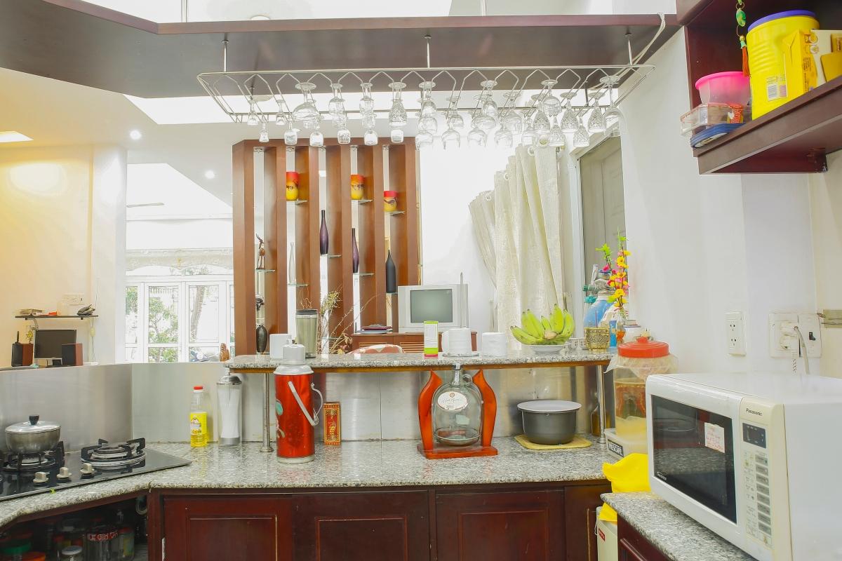 Không gian bếp tiện nghi Villa 4 phòng ngủ Thảo Điền Quận 2