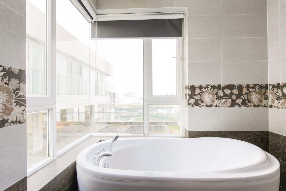 Bồn tắm có view đẹp Căn góc tầng cao Tower 3 Brilliant