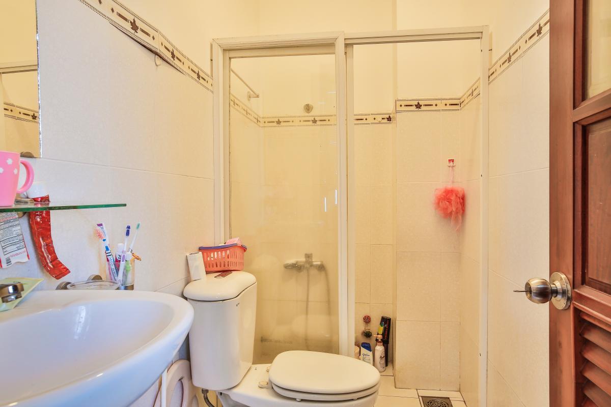 Phòng tắm Nhà 3,5 tầng đường 20 Phú Hữu quận 9