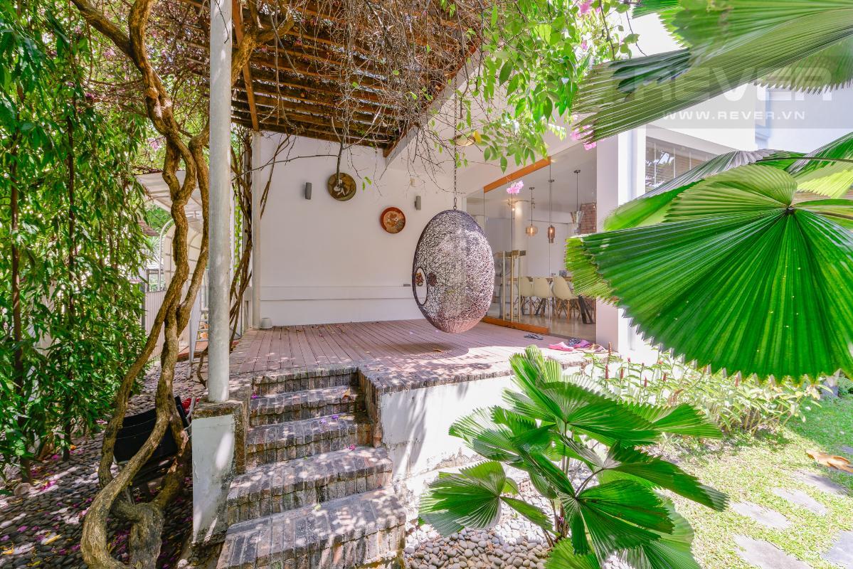 Khu vực thư giản gần khu bàn ăn Villa 2 tầng có sân vườn hướng Đông Bắc Hưng Thái 2