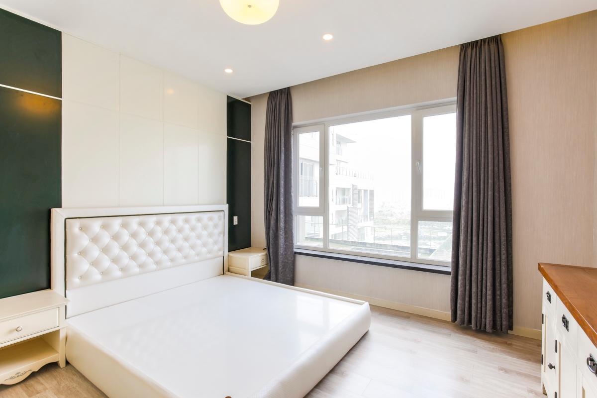 Phòng ngủ với đầy đủ nội thất cao cấp Căn góc tầng cao Tower 3 Brilliant
