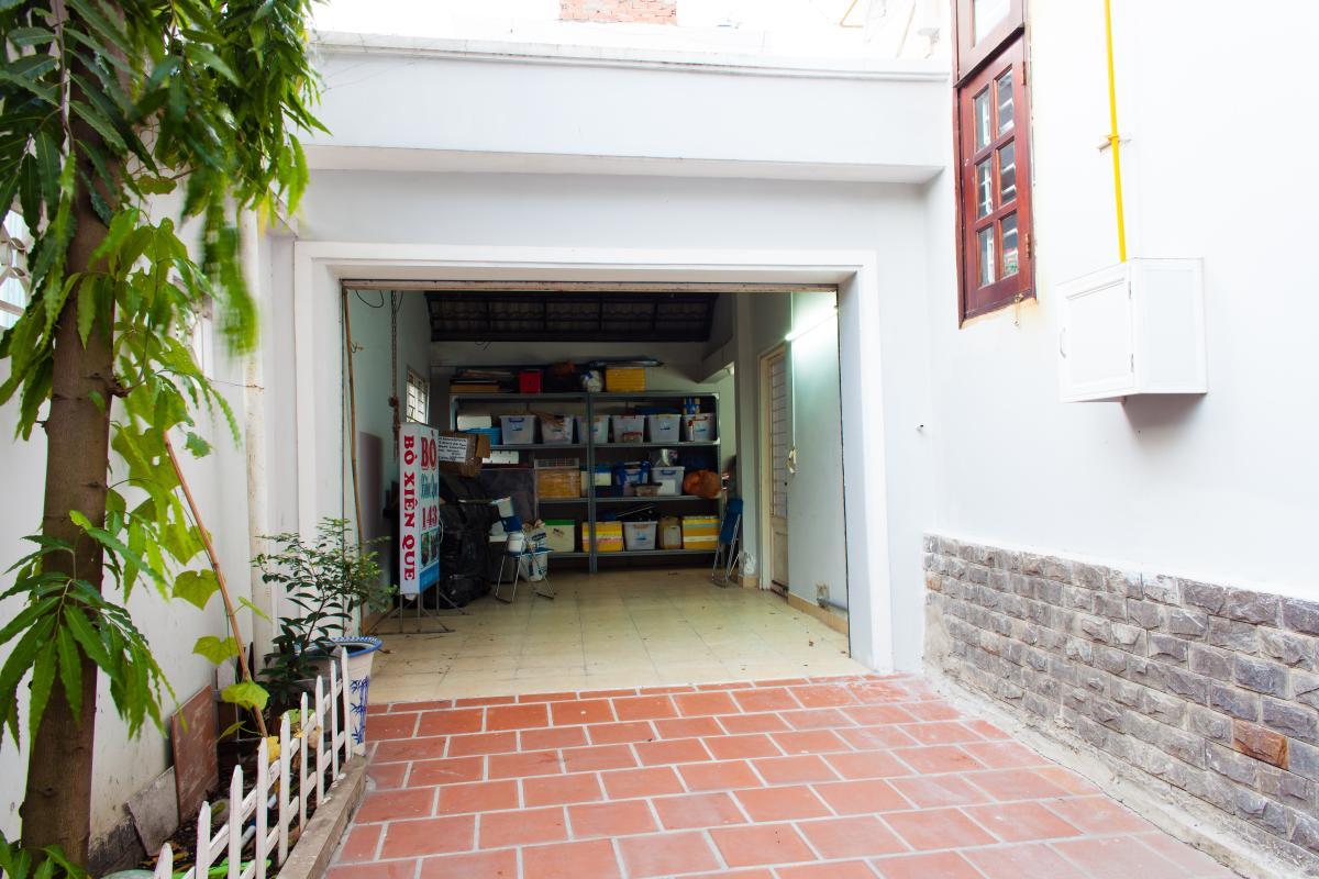 Garage xe Villa 3 tầng đường Số 20 Linh Đông Thủ Đức