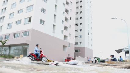 Nỗi khổ ở chung cư vào mùa mưa