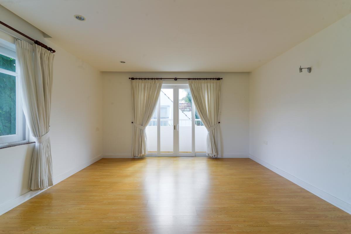 Phòng ngủ trên lầu Villa 3 tầng ABC Compoud Trần Não