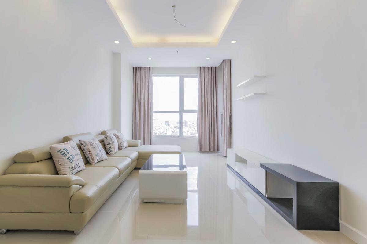 Phòng khách hướng Đông Bắc Căn hộ tầng cao P1 Prince Residence