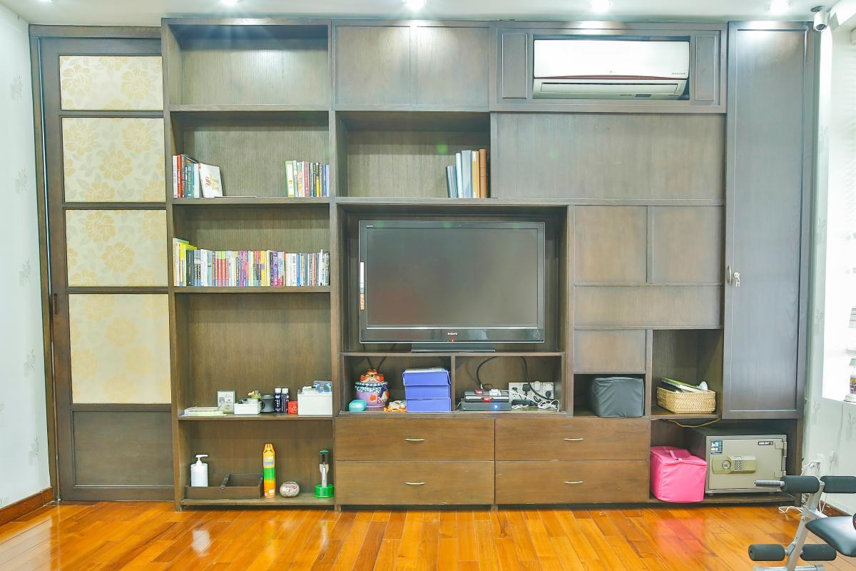 Kệ TV phòng ngủ 1 Villa sân vườn Nam Thông 3