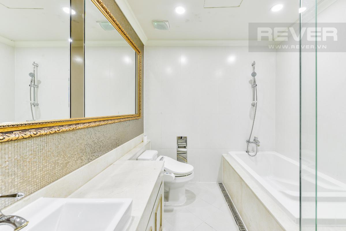 Phòng tắm chính Penthouse 2 tầng hướng Tây Bắc Cantavil Hoàn Cầu