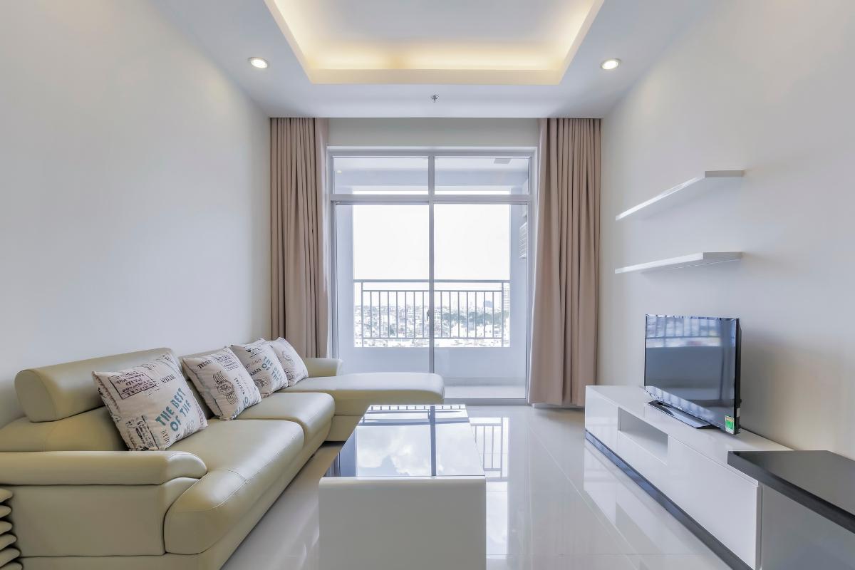 Phòng khách hướng Tây Nam Căn góc tầng cao P1 Prince Residence