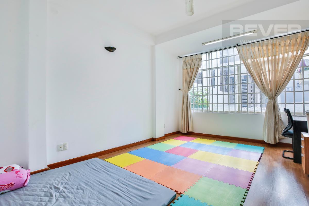 Phòng ngủ cho con trẻ với thảm chơi Nhà 3 tầng Nguyễn Văn Đậu