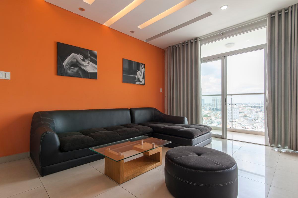 Phòng khách thoáng đãng Căn góc tầng cao B Satra Eximland