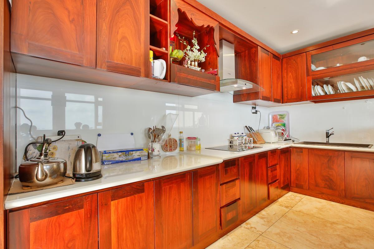 Nội thất phòng bếp Penthouse hướng Nam Sapphire 1 Sài Gòn Pearl