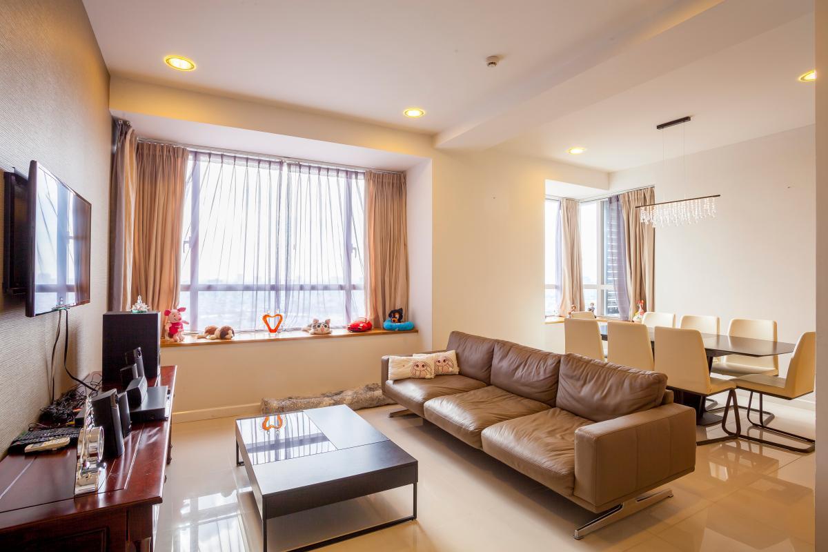 Phòng khách sang trọng Căn góc tầng cao V6 Sunrise City
