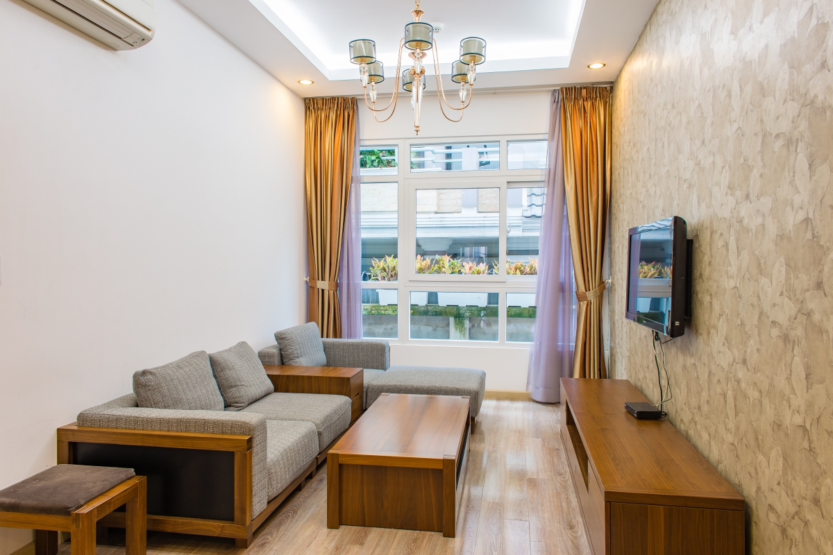 Phòng khách căn hộ hướng Bắc SEM Residence với tầm nhìn nội khu. Căn hộ hướng Bắc SEM Residence