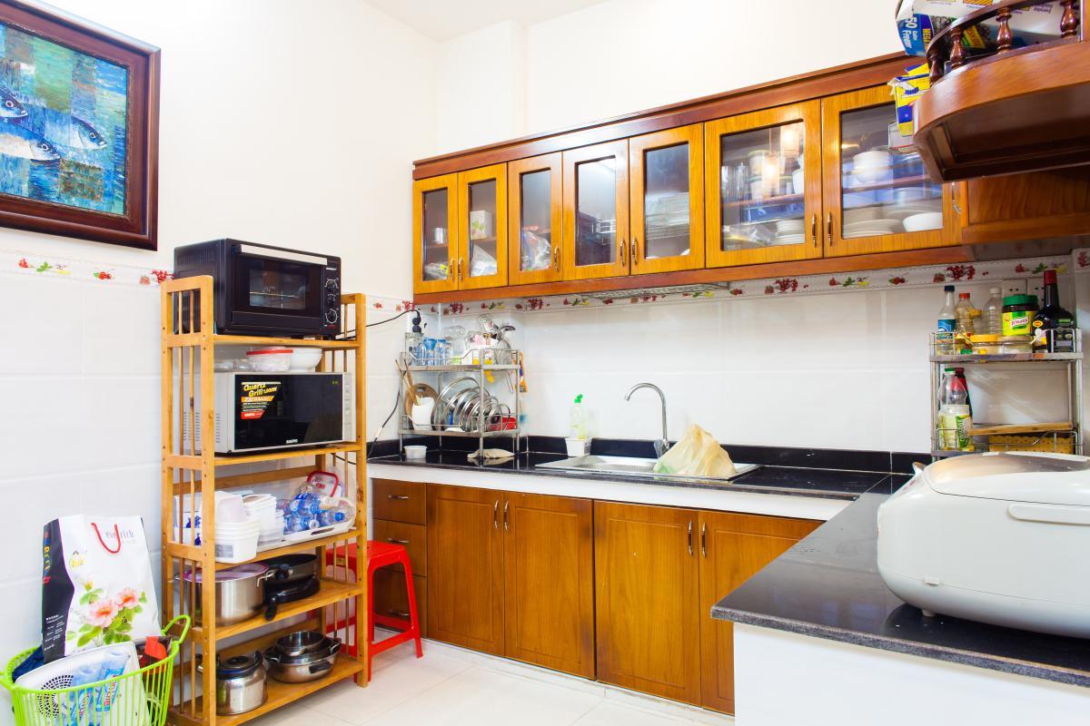 Không gian phòng bếp Nhà 3 tầng hẻm Bùi Văn Thêm quận Phú Nhuận