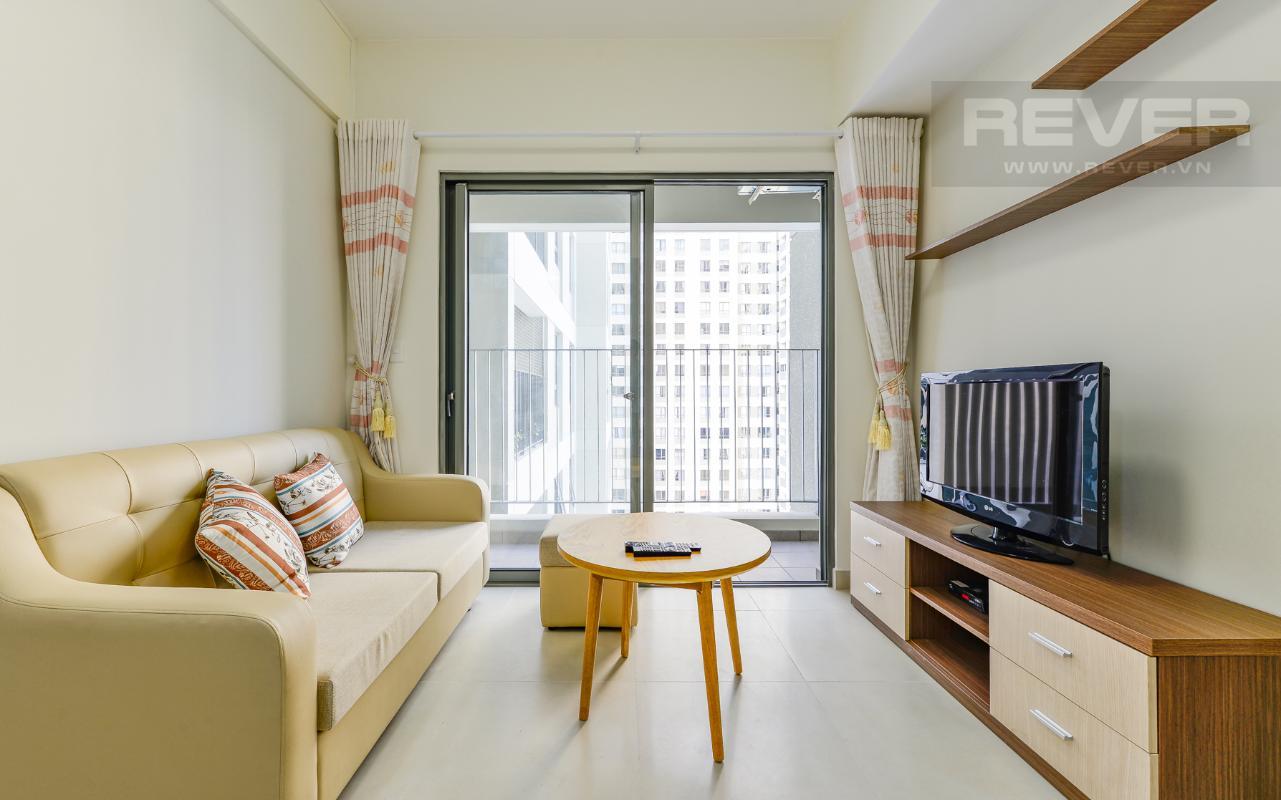 Phòng khách Căn hộ Masteri Thảo Điền tầng cao T1A hướng Đông Bắc, đủ nội thất