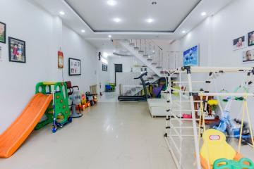Nhà 2 mặt tiền Nguyễn Cửu Vân Bình Thạnh