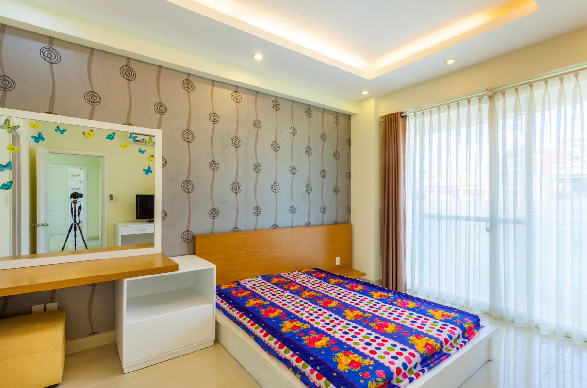 Phòng ngủ dẫn sáng Căn hộ tầng thấp Riverpark Residence