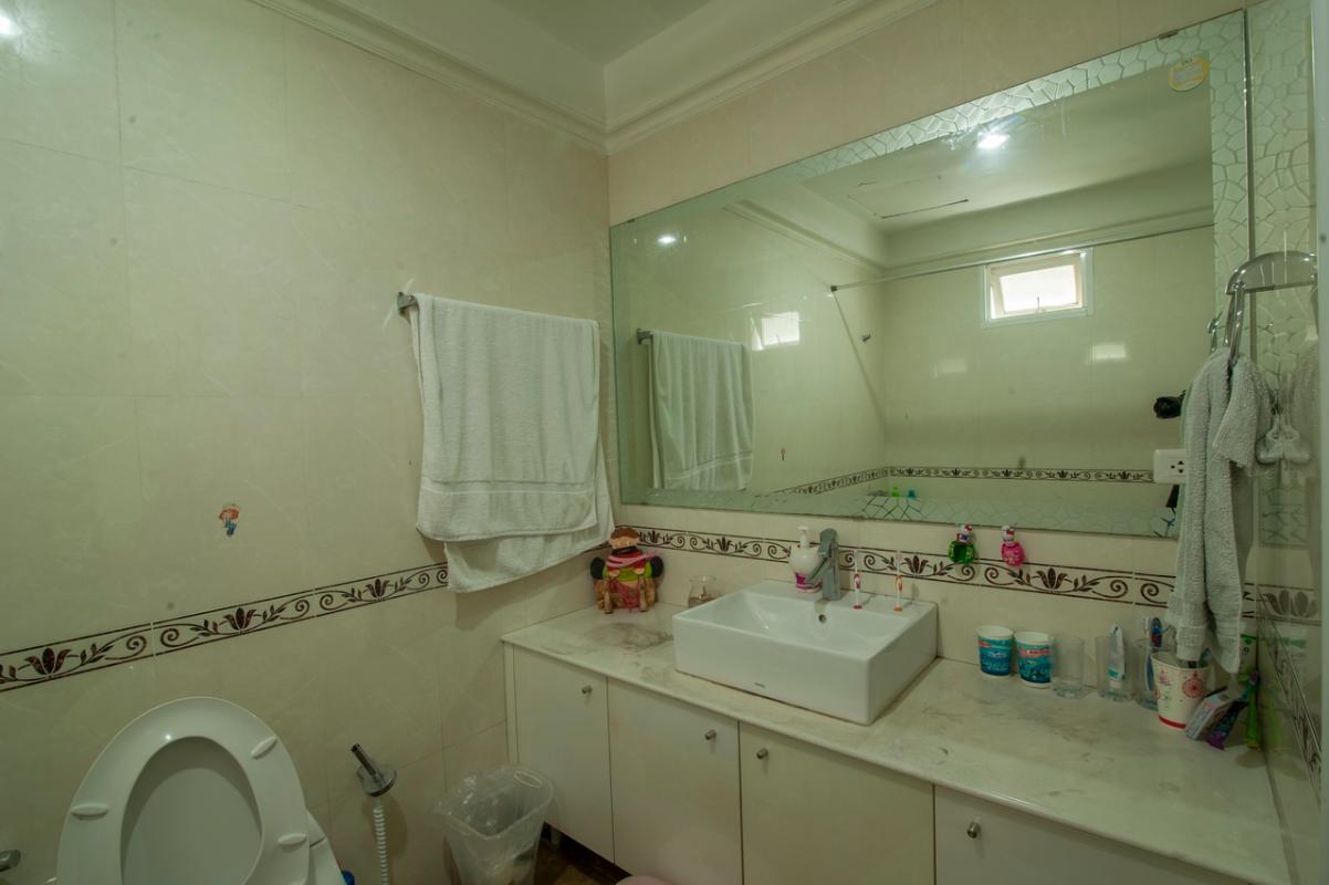 Phòng tắm Căn góc tầng cao Flemington